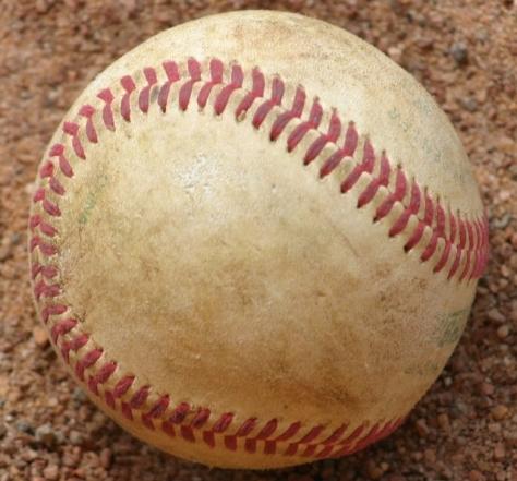 baseball-1420173-639x595